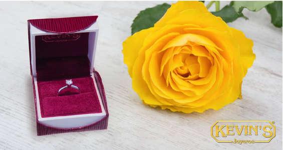 Ofertas de Kevin's Joyeros, Colección Flores para tí