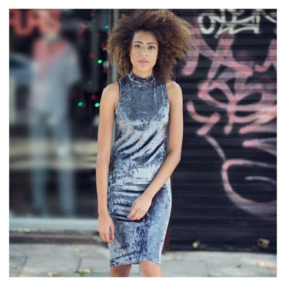 Comprar vestidos de fiesta en mosquera tiendas y for Fuera de serie telefono